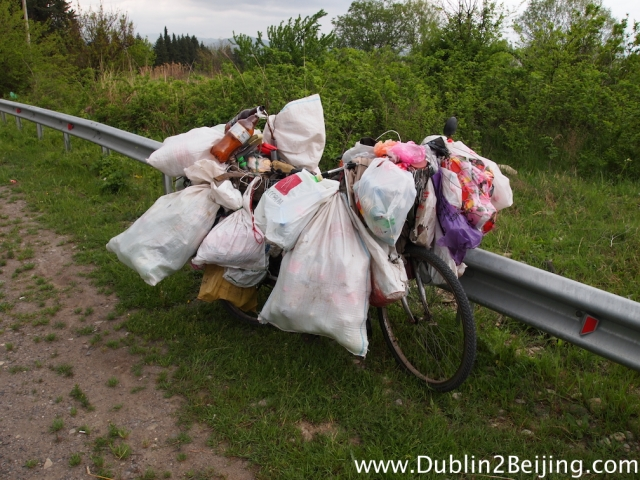 I felt just like the rubbish on this bike. I spotted it on the way from Tbilisi to Signaghi