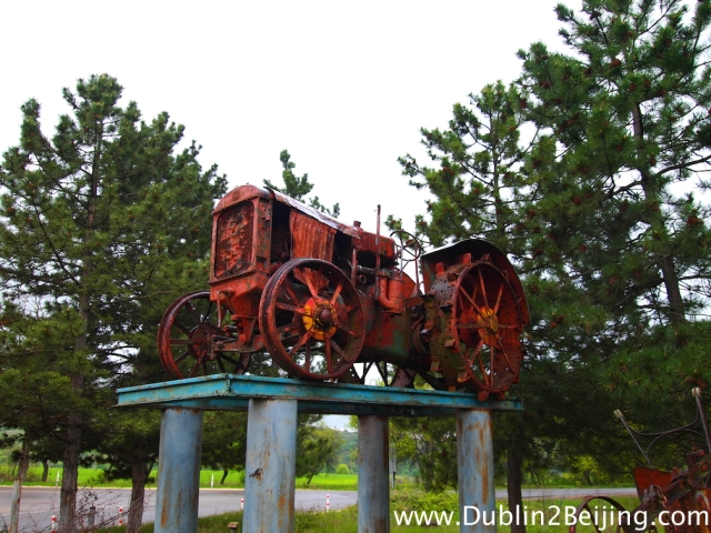 I still stopped for the odd photo - I thought this tractor outside Sighnaghi was kinda cool!