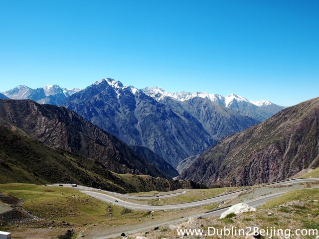 The view from the second 3200m pass. This was the descent side. Unreal!