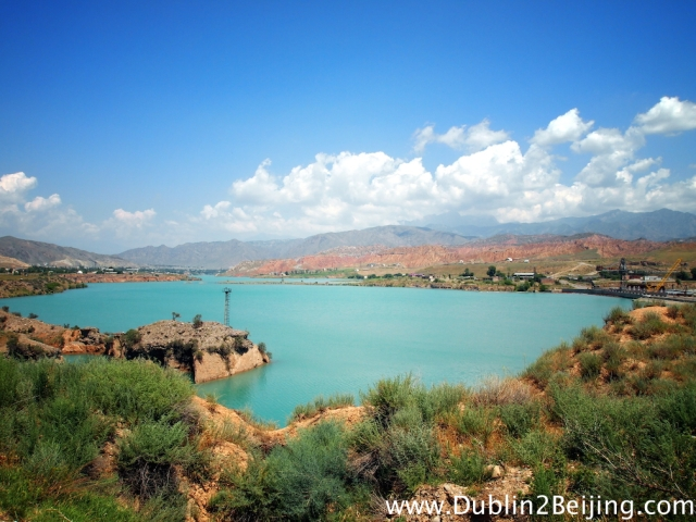 The beautiful turquoise Naryn river in Kyrgyzstan